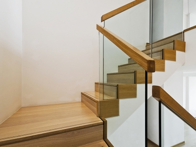 Wood and Glass Modern Staircases
